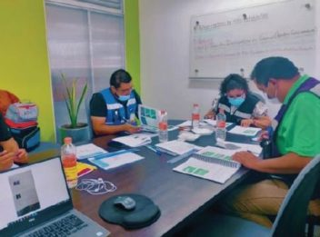 Entrada Learning Center Offers Hands-On Training